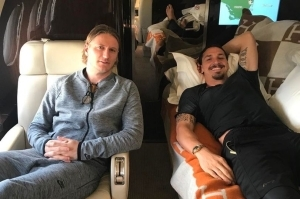 Zlatan Ibrahimovic Spotted On A Private Jet As He Recovers From His Knee Surgery. Photos